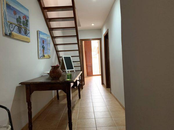 Figueres Apartment es un enorme y equipado apartamento y una buena alternativa para dormir en Figueres